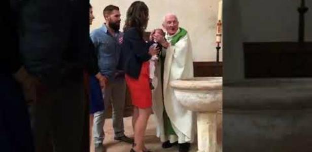 Vídeo de padre batendo no rosto de bebê durante o batismo gera polêmica https://t.co/m73HFfTAcI