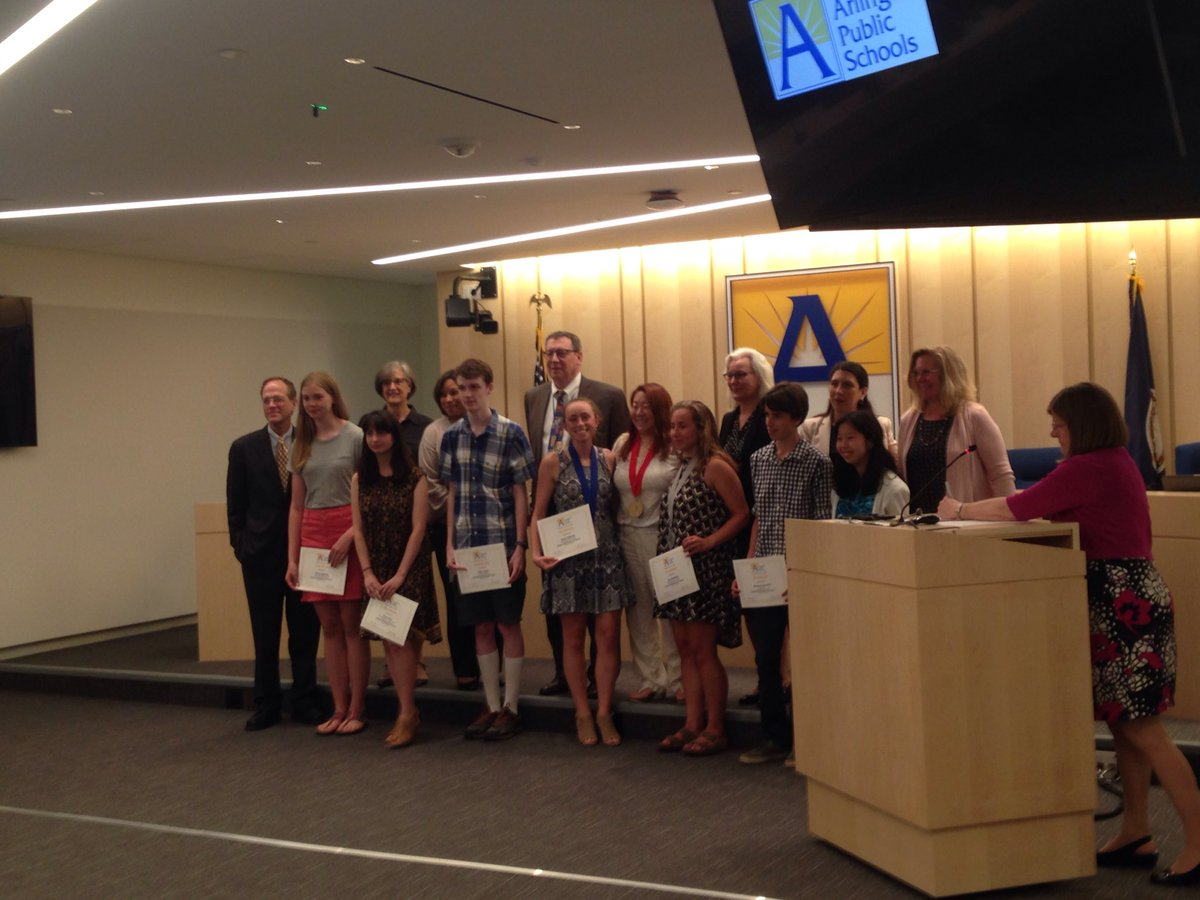 National Scholastic Art award winners recognized by the <a target='_blank' href='http://twitter.com/APSVirginia'>@APSVirginia</a> <a target='_blank' href='http://twitter.com/APSVaSchoolBd'>@APSVaSchoolBd</a> tonight. Congratulations! <a target='_blank' href='https://t.co/YvkZS1CCNK'>https://t.co/YvkZS1CCNK</a>