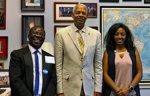 It was a pleasure to meet w/ Crispin Wilondja & Diana Guelespe of Lutheran Immigration & Refugee Service @LIRSorg Refugees come to America, work hard, start their own businesses, become homeowners, doctors, lawyers & give back to our country in so many ways. #KeepFamliesTogether