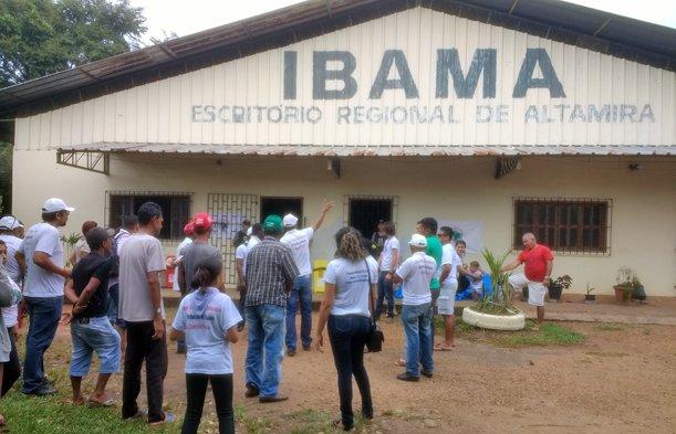 Atingidos por Belo Monte voltam a ocupar Ibama em Altamira https://t.co/7uh3shwnr0