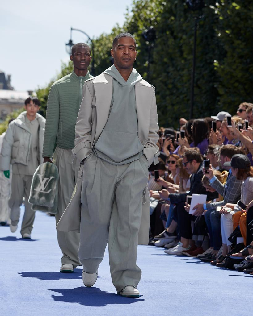 #LVMenSS19 by  Kid Cudi walking the runway at the Men's Spring-Summer 2019 Fashion Show by 's new men's artistic director Virgil Abloh. Watch the Spring-Summer 2019 Men's Show replay now on Twitter and at  https://t.co/A3JWu3rTMq