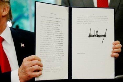 米国、不法移民の親子を一緒に収容へ トランプが大統領令署名 ――不法移民の親子を分断する措置は、国内外から強い批判があがっていた https://t.co/REAa6b5icC  #移民 #トランプ大統領 #アメリカ