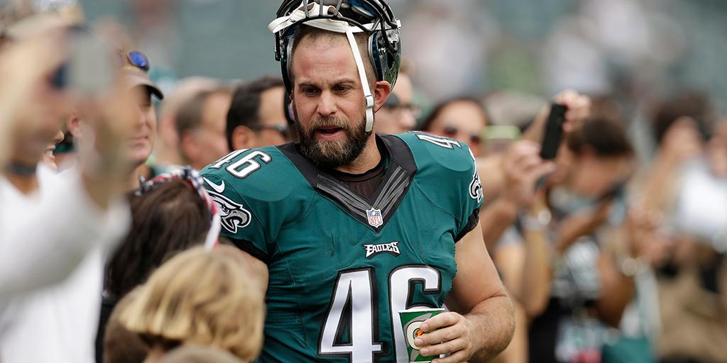 His trade from the @Eagles might've saved his life.  Now @JonDorenbos is getting a @SuperBowl ring: https://t.co/7pYuZHBsy5  (via @NFLNow)