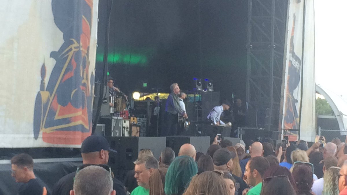 New @FloggingMolly song Cushed is mashed with @QueenWillRocks We Will Rock You at Phillys @festivalpier.