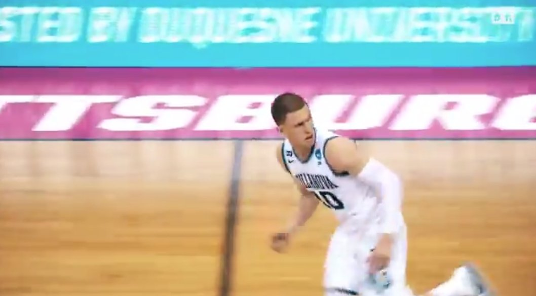 The Final Four MOP is off the board!   Donte DiVincenzo goes No. 17 to the Bucks https://t.co/GKm4JFGYXb