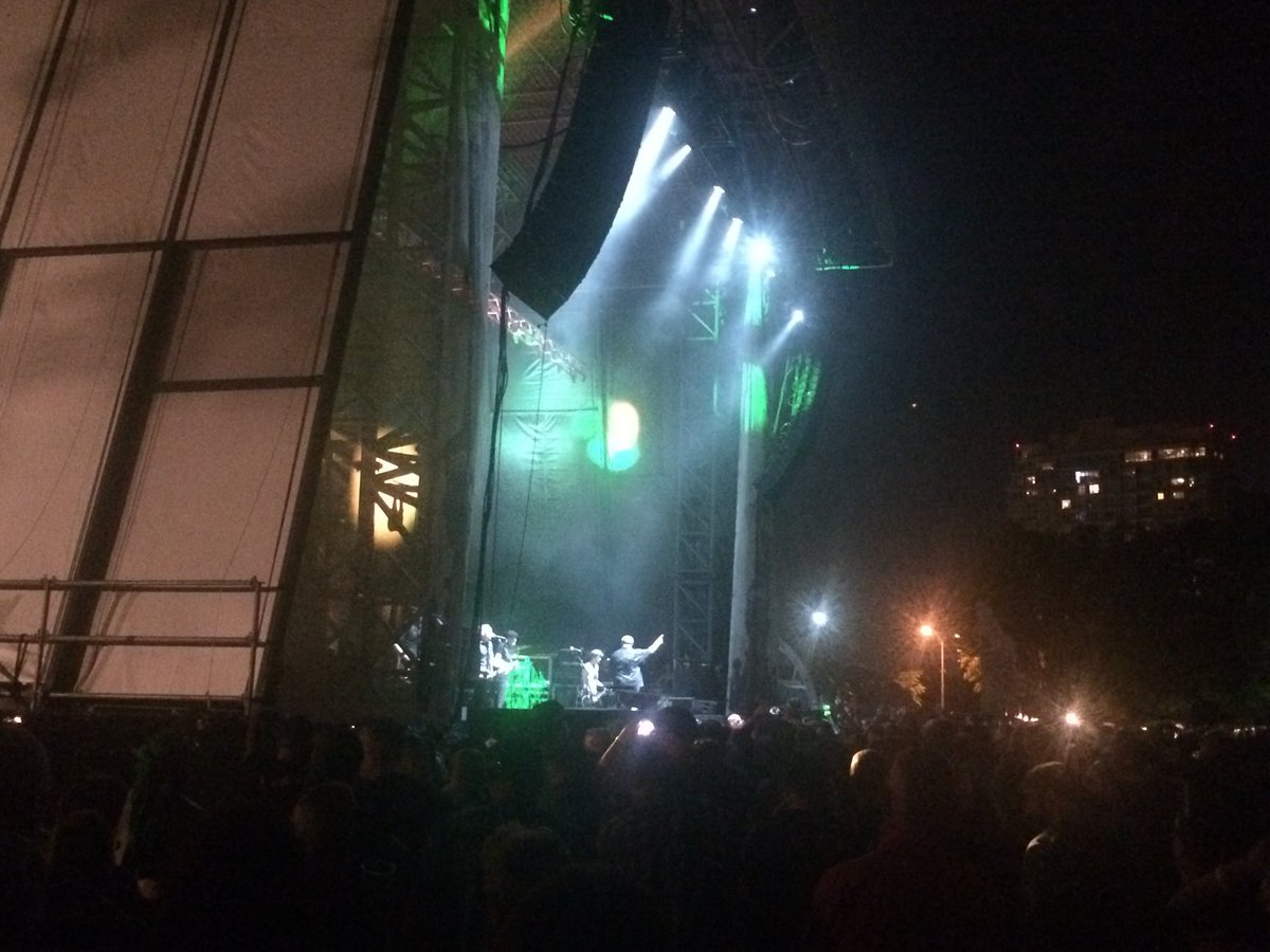 .@DropkickMurphys close main set at Phillys @festivalpier with racing Going Out of Style. Encore to come.