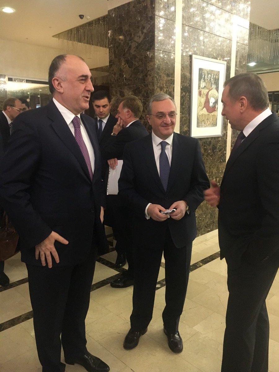 Глава МИД Армении Зограб Мнацаканян пообщался в Минске с коллегой из Азербайджана Эльмаром Мамедъяровым