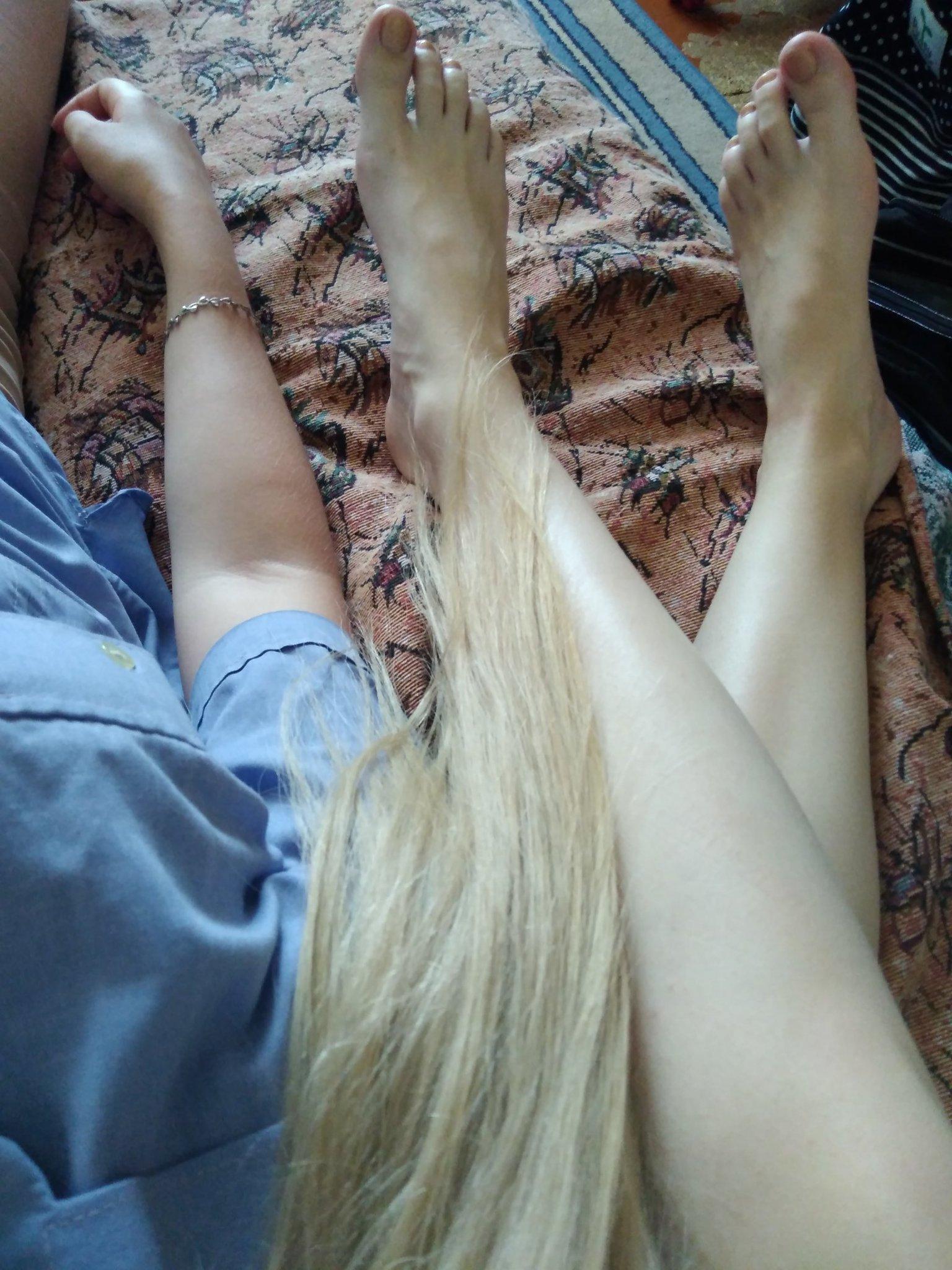 для фото девушки идеальная волосатая ноги вдруг ним
