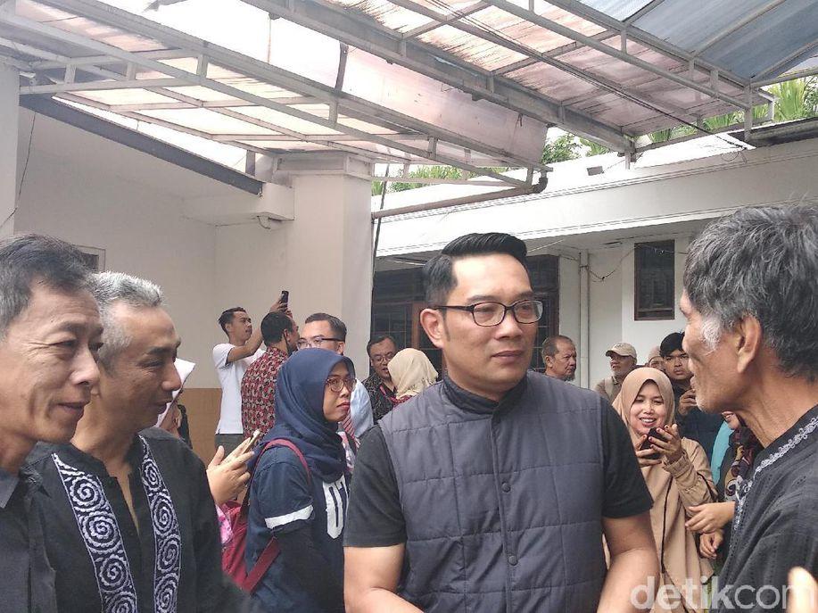 Ginan Koesmayadi Meninggal, Ridwan Kamil: Dia Pejuang Kemanusiaan https://t.co/QyJ0cXVkpu https://t.co/53mGWi8Dt8