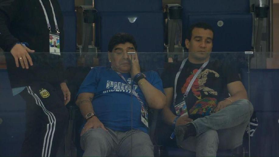 Air Mata Maradona di Balik Kekalahan Argentina https://t.co/zmpIh5Pxa7 via @detiksport https://t.co/YGhtj9HeRv