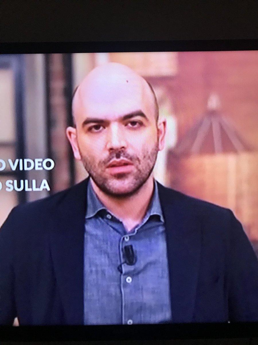 """Un pagliaccio del genere che và in TV a dare del buffone al Ministro dell'Interno, definendolo """"ministro della malavita"""" parla di istigazione all'odio da parte di #Salvini. Scrittore mediocre, uomo rancoroso e antipatico. #Saviano #scorta #la7 #omnibus #MinistrodellaMalavita  - Ukustom"""