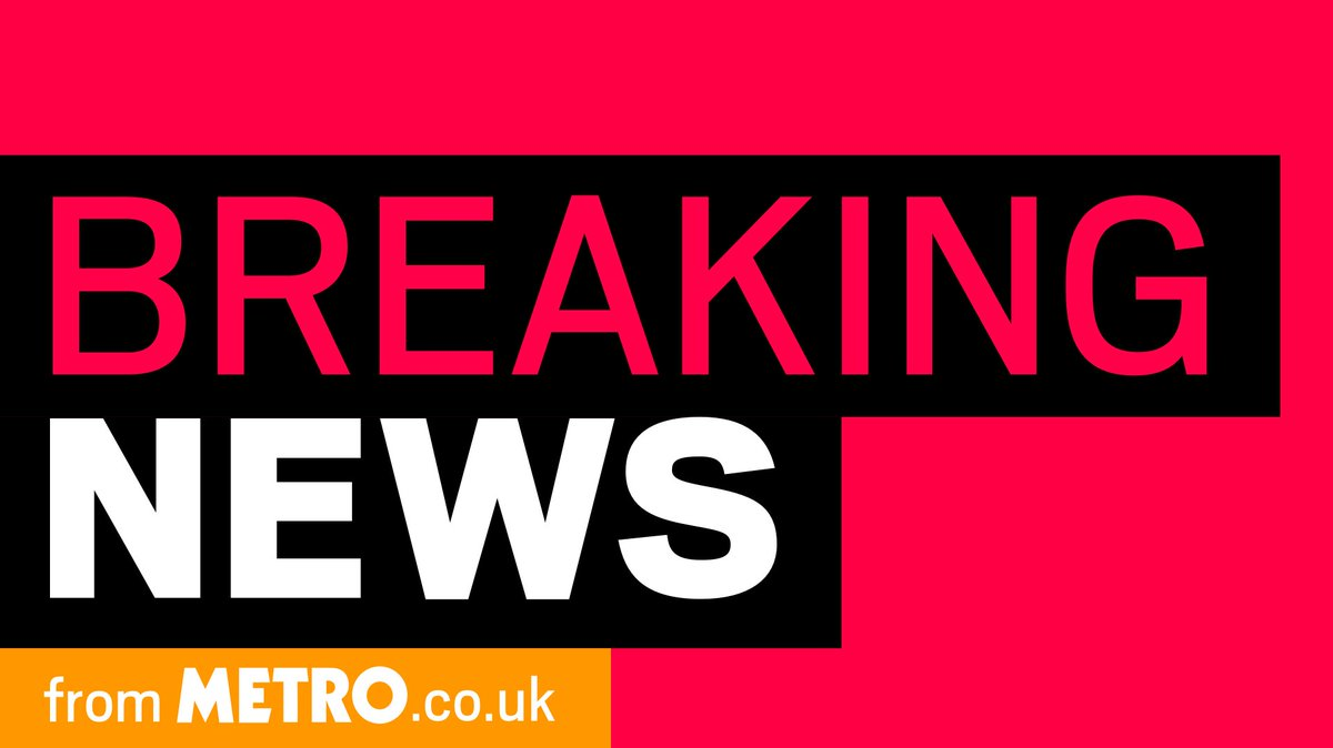 BREAKING: Charing Cross station closed after man on the tracks shouts he's got a bomb https://t.co/BezLSVXsoE