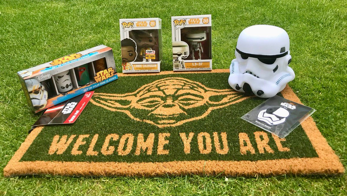 COMPETITION TIME! To celebrate my reaching 100k followers, my mates at premier swag store #EMPUK have given me £100 worth of ace #StarWars toys and homeware to give away. For your chance to win this brilliant bundle, simply RT this post and follow @empukofficial. Good luck!
