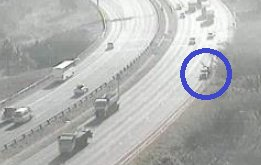 #KZNTraffic Stationary vehicle: N2 southbound after EB Cloete I/C, left lane obstructed. Please approach with caution. Photo
