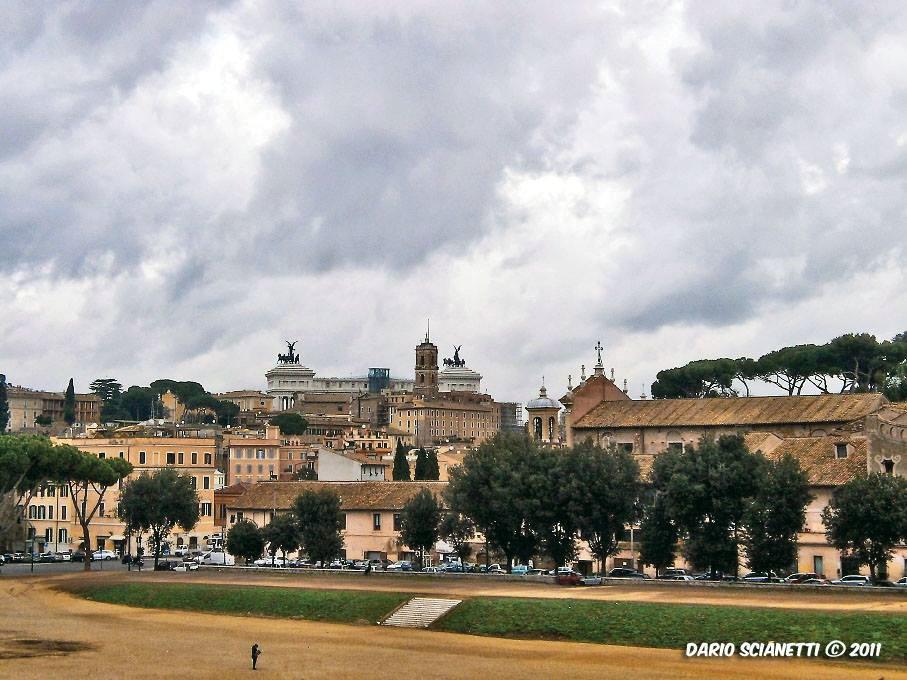 #22giugno scorcetto datato dal roseto comunale, settembre #Romeisus #Capitolium #CittàEterna @BeautyfromItaly  Circo Massimo #landscape #rome #dariosci  - Ukustom