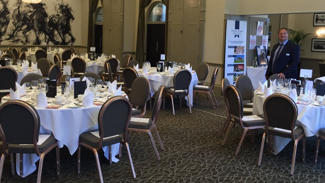 @Rexel_Group Norwich + Gt Yarmouth staff & clients are going to love the fantastic hospitality at @bedfordlodge on their event to the races ! Featuring 'Mr Magic' @simplymagic19 + former Grand National winner @BobChampion1981 - watching @Palomafaith later #livingtheracingdream