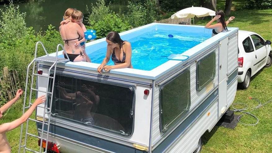 This RV-turned-swimming pool is exactly what your summer needs https://t.co/0A9TgjcOnt