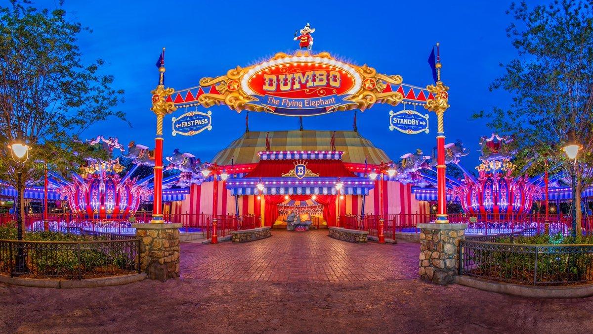 #ツムツムランド のMAP5に新アトラクション「空飛ぶダンボ」が登場🎪 サーカスの人気者、空飛ぶ象の #ダンボ と一緒に空の旅を楽しむことができます✨ USフロリダのマジックキングダムには2基あり、時計回りするのはここだけ💕さらに待ち時間に楽しめるプレイエリアまで🌟 goo.gl/qQLTGU
