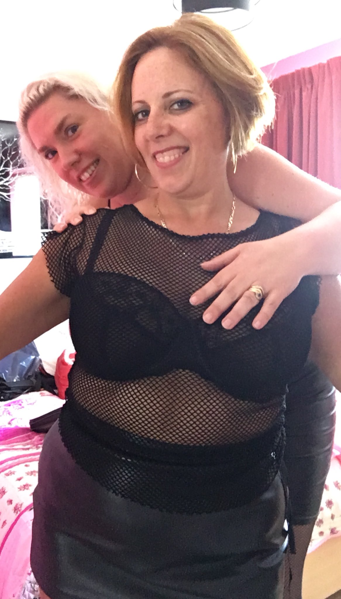 Curvy Claire on Twitter: Last morning of fun with Barby…