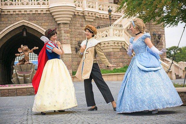 【Dハロ】「ディズニー・ハロウィーン」9月11日から開催! https://t.co/fkDhISAGcg  TDLではゴースト、TDSではヴィランズたちが主役に。期間中は両パークで毎日ディズニーキャラクターのフル仮装が楽しめる。