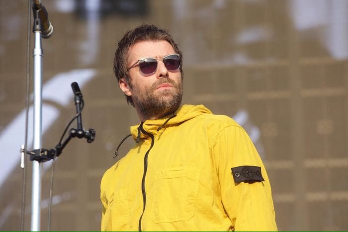 6c3c02309f500 Liam Gallagher wears Stone Island Overshirt AW 18 19    Cheers  rkid72     Nicholaswhite09pic.twitter.com MKP2wErpN6