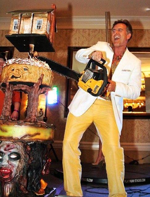 Groovy Birthday Greetings to swinging new 60 year-old Bruce Campbell! #HailToTheKing @GroovyBruce