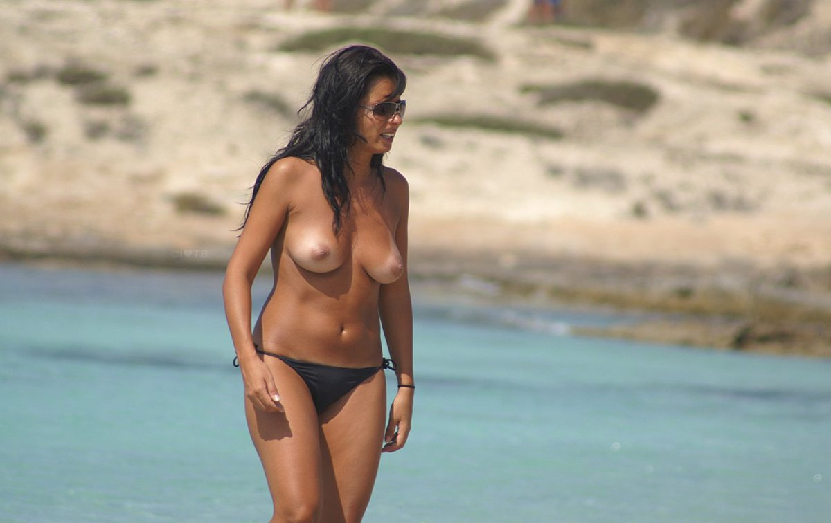 Lea Michele Goes Topless For Photo Shoot On The Beach