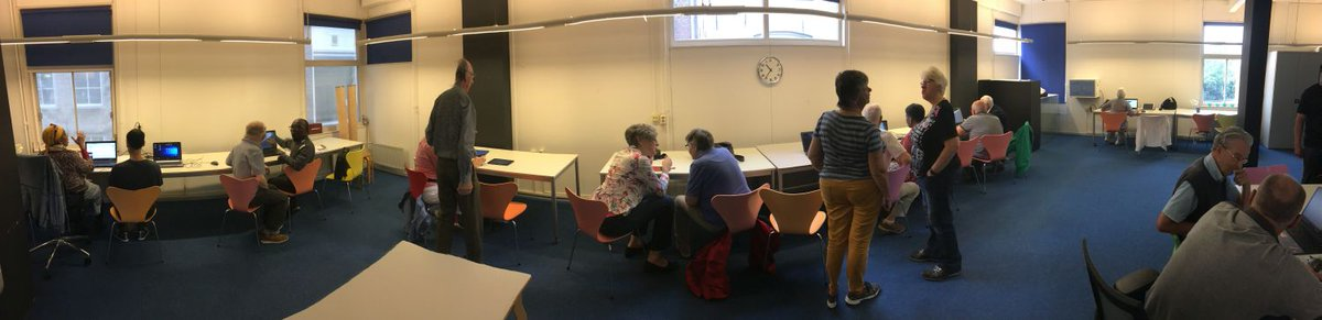 Gezellig & druk op het digitaal inloopspreekuur in de Stadsbibliotheek Dordrecht https://t.co/SkdBbMRLm8