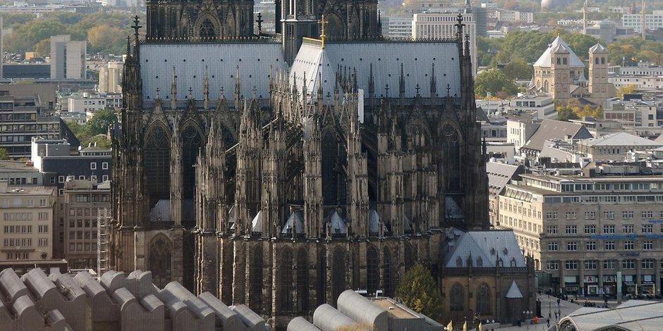 Verdächtiger festgenommen: Polizei evakuiert Kölner Dom https://t.co/J4cTdeMbNN