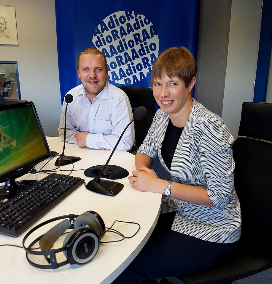 Seekordse Nädala tegija peategelane on president Kersti Kaljulaid. Juttu tuleb tselluloositehasest, väärtustest ning mida või keda me peaksime pelgama. Nädala tegija on eetris alates kell 13.00, saatejuht on Hindrek Riikoja. #kukuraadio @KerstiKaljulaid https://t.co/RTexsvP4gn