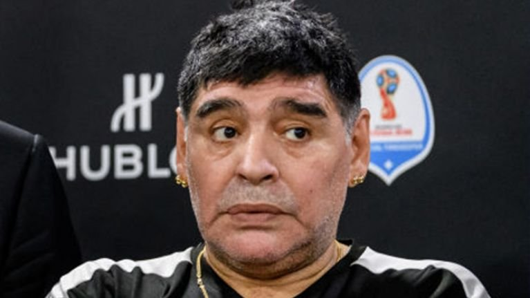 "Maradona: ""When I played and had a bad game... Valdano, Burruchaga showed up and had my back. Messi has no one. It's all on his own."""