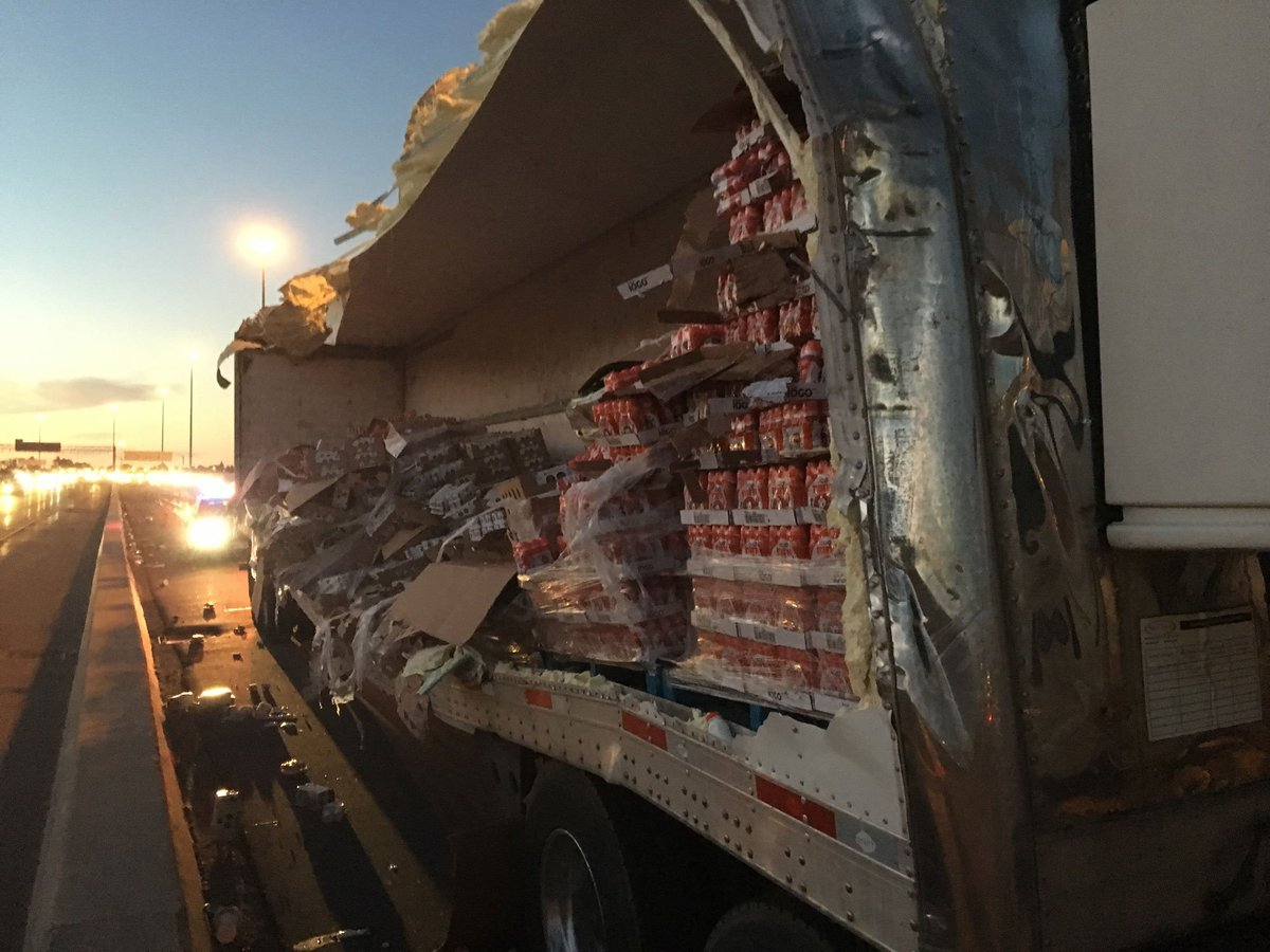 Transport truck crashes on westbound Hwy. 401 near Meadowvale, spilling its load of yogurt onto the highway https://t.co/YTISgyFsyv
