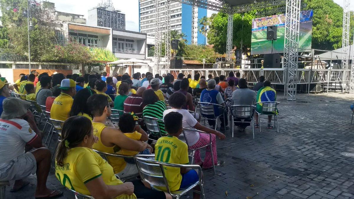 No Largo São Sebastião, região central de Manaus, a torcida brasileira está apreensiva com o empate momentâneo da seleção na segunda partida da seleção na #Copa2018.