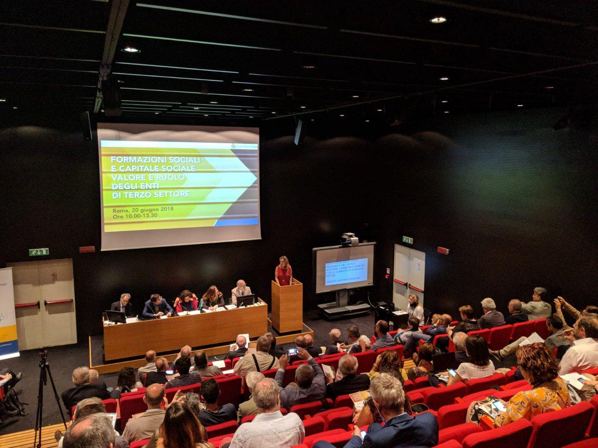 """""""Formazioni sociali e capitale sociale"""": online tutte le foto, i materiali e gli interventi audio dei relatori al convegno del Forum #Terzosettore del 20 giugno a Roma. @Leonardobecchet @n_santomartino @forumreggio @FORUMTERZO @ForumTS_ER    http:// www.forumterzosettore.it/2018/06/22/assemblea-forum-terzo-settore-tutti-gli-interventi-del-convegno-capitale-sociale-e-formazioni-sociali/  - Ukustom"""
