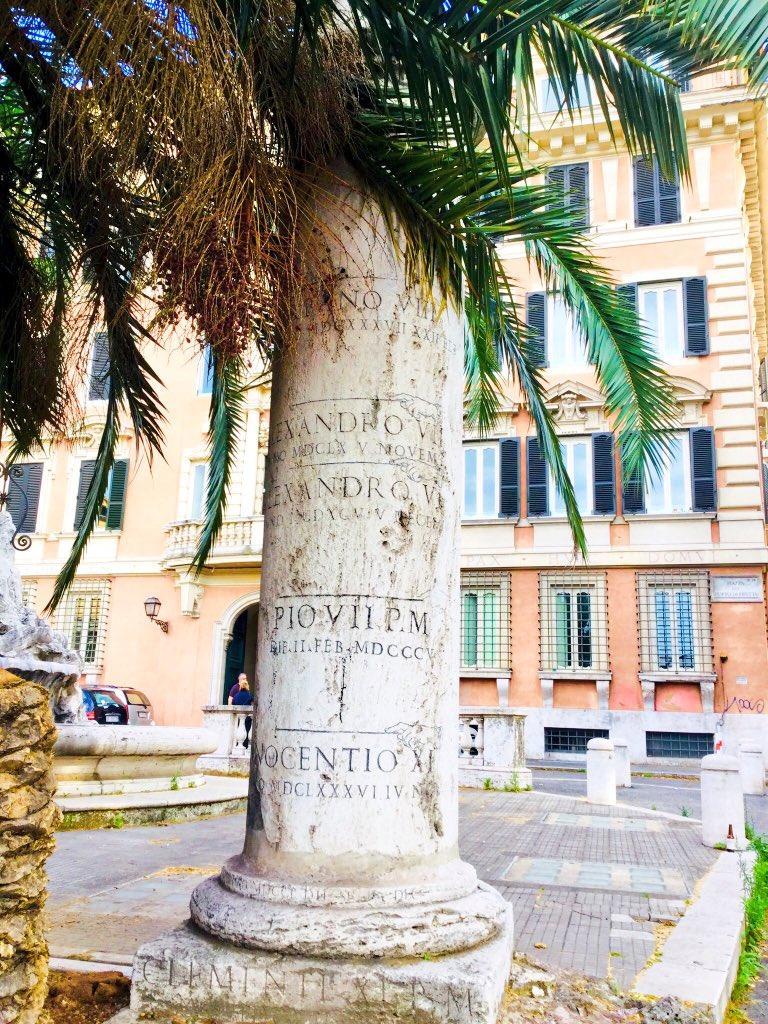 #Roma #romeIsUs     ....e sempre lì, al Porto di RIPETTA,l' IDROMETRO,per misurare e ricordare le terribili intemperanze del FIUME,prima che i severi giganteschi muraglioni cancellassero il secolare rapporto della CITTÀ con il TEVERE.Così,vita e Storia di Roma&Romani mutò corso  - Ukustom