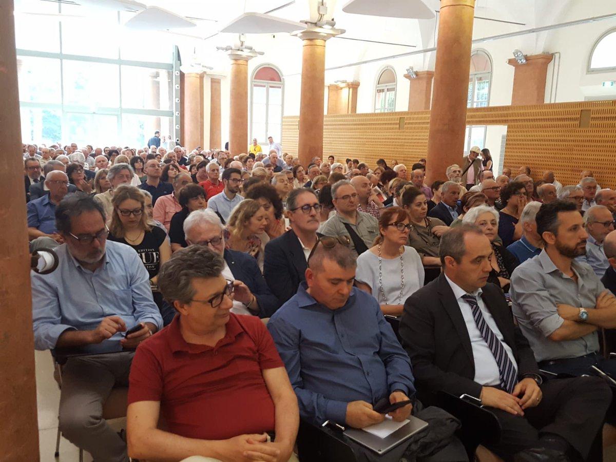 300 persone all'Università di Modena e #ReggioEmilia dimostrano quanto è attuale la figura di #AldoMoro  - Ukustom