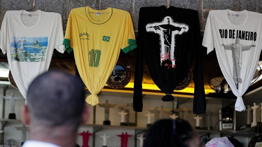 Berkelahi Saat Nobar Piala Dunia 2018, Empat Orang Tewas https://t.co/PMt2KHgJUq via @detiksport https://t.co/wcJqOTjtgK