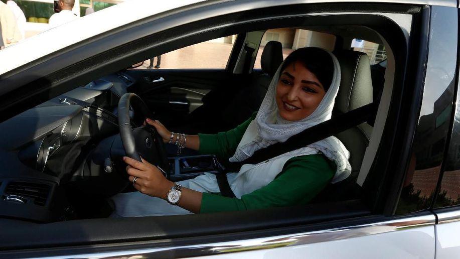 Mulai 24 Juni Perempuan Saudi Bisa Menyetir, Ini Fakta Pentingnya https://t.co/1eW5eO3mjc https://t.co/hVr3sUAvJj