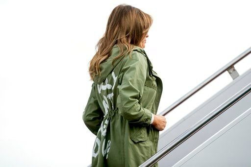 Melania Trump dons 'I really don't care, do u?' jacket https://t.co/Y0ZOsWdup3 | #wmc5