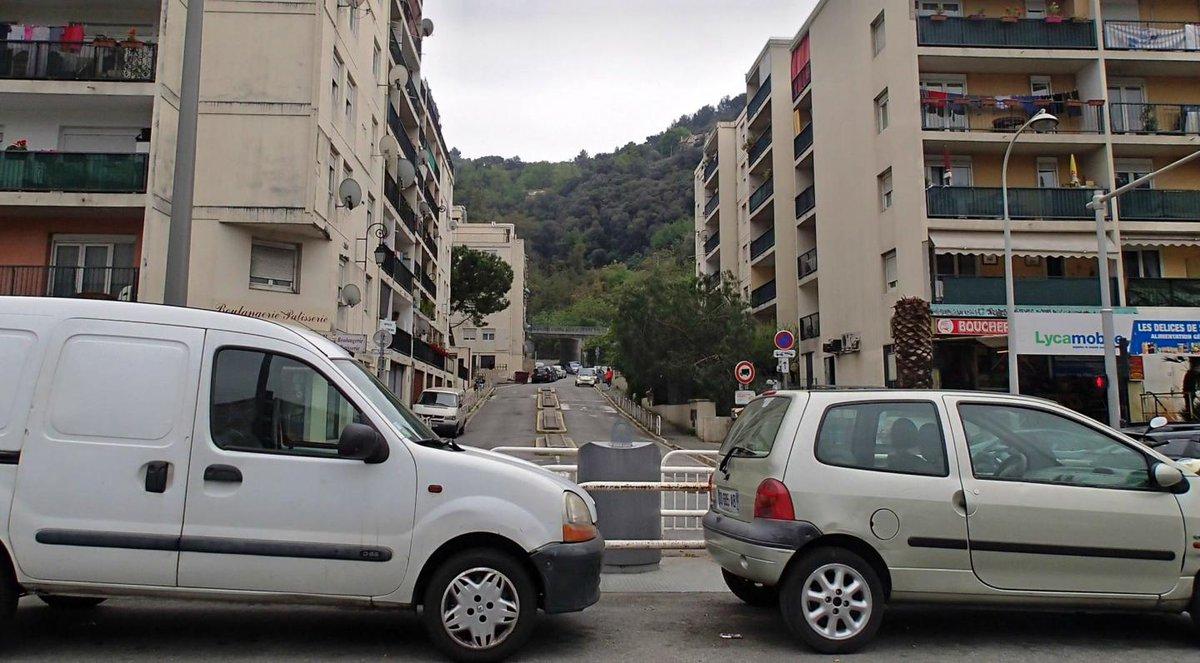 Armes, drogue et liasses de billets: une bande de trafiquants condamnée à Nice https://t.co/Afkg0sKhNY