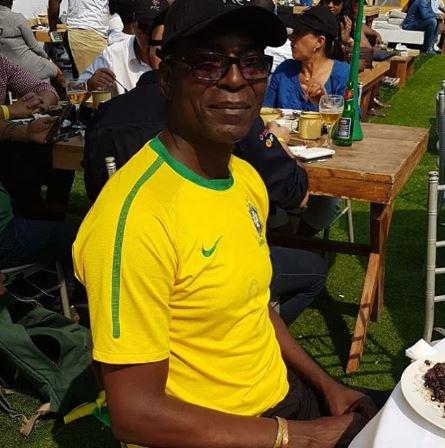 Esse é o Assis Papel, o angolano mais brasileiro do mundo. Até chorou de emoção com o gol do Brasil! #juntosnaglobo