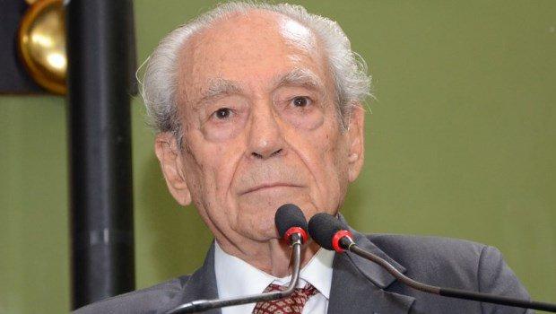 Ex-governador e ex-ministro de Lula, Waldir Pires morre aos 91 anos em Salvador - Jornal Opção https://t.co/lR0MEHXx3i