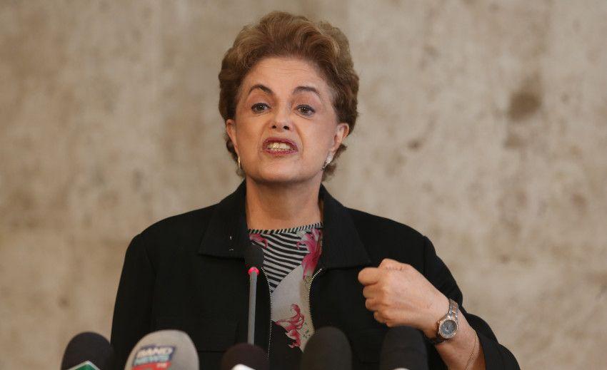 Ex-presidente Dilma Rousseff lamenta morte de Waldir Pires https://t.co/JatUWvqJWv