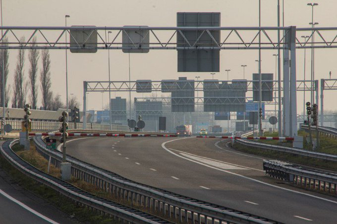 Nachtelijke afsluiting Beneluxtunnel; 26-27 juni https://t.co/yZTi96x1WP https://t.co/2sLMBmfkYV