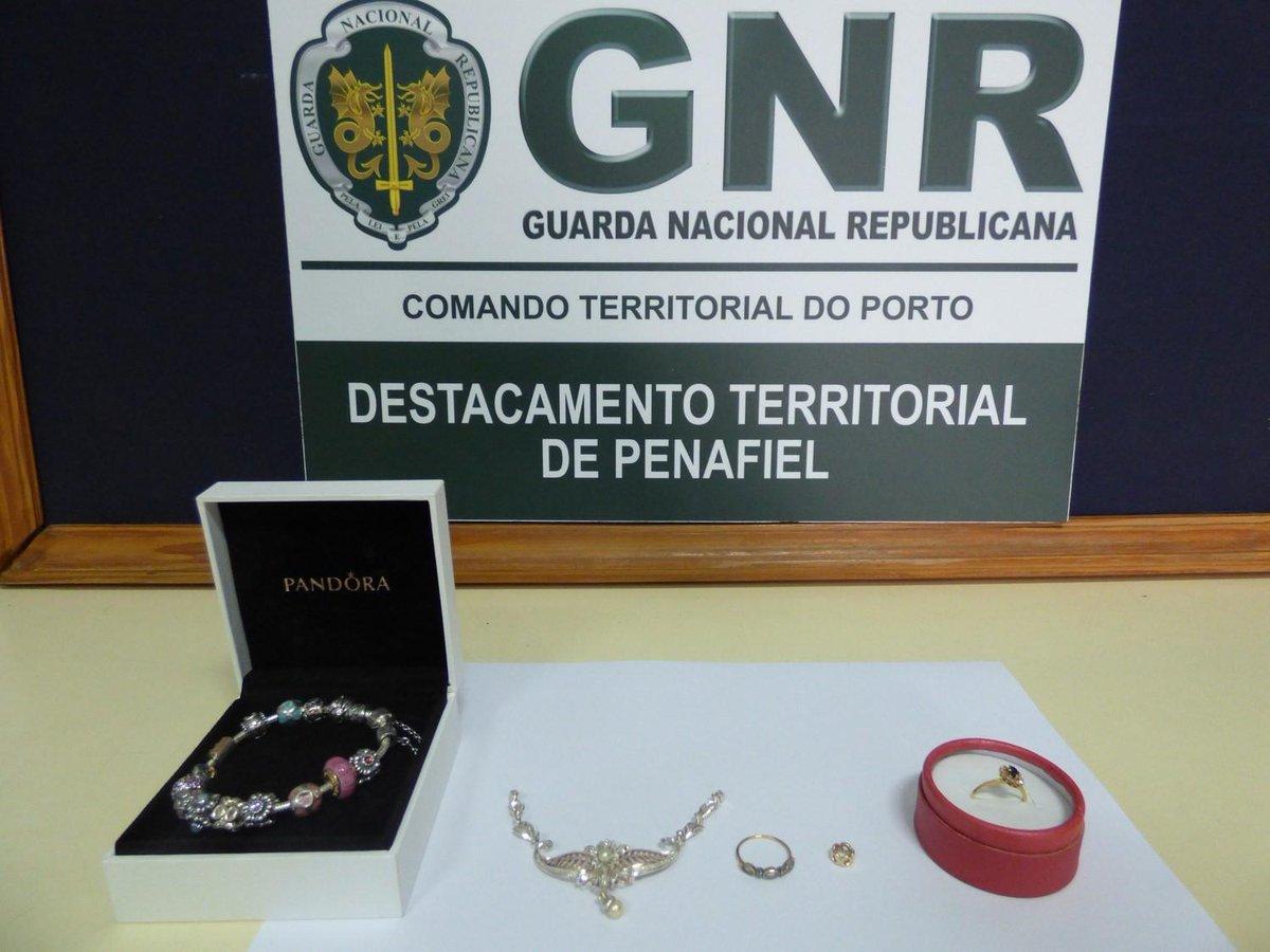 GNR apanhou empregada que 'limpou' joias à patroa https://t.co/AsdyZBeRQ2