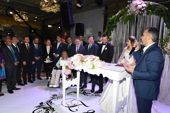 Bursa Büyükşehir Belediye Başkan Vekili Ahmet Yıldız ve Elif Akçimen'in düğün törenine katıldım. Allah ömür boyu mutluluklar versin. Foto