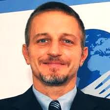 Anche stasera una spassosa, divertentissima, comica puntata di Otto e Mezzo. Dai Sgarbi, su Giannini, avanti Gruber, fateci divertire... #ottoemezzo #ottoemezzola7 #sgarbi #giannini #Gruber #migranti #Lifeline #Salvini #DiMaio #razzismo  - Ukustom