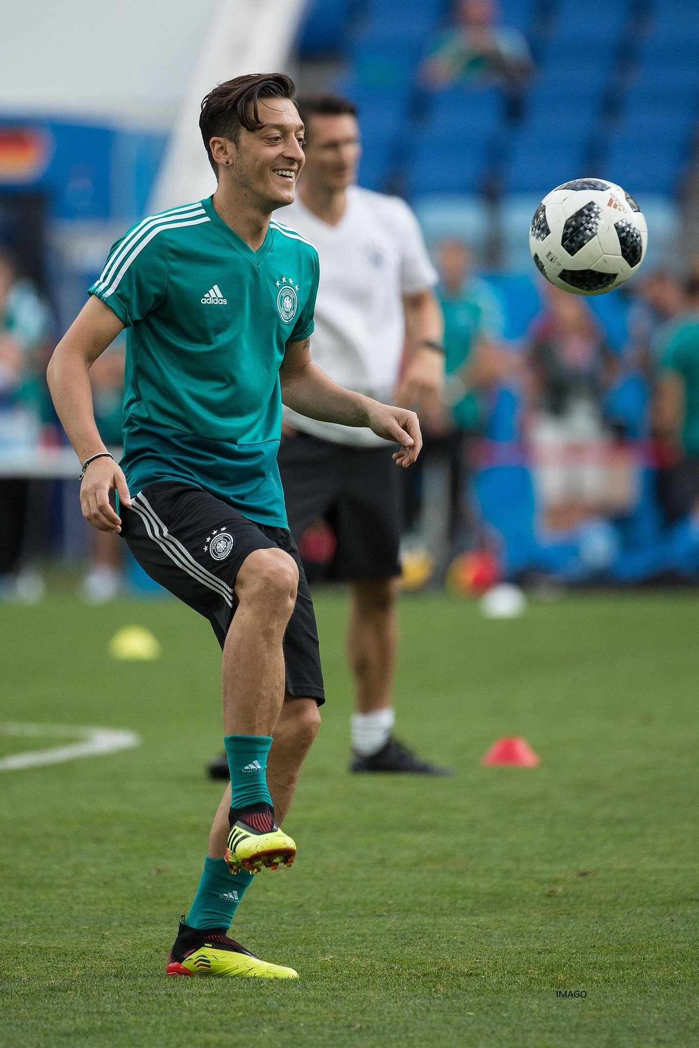 Big game tomorrow to put things right. ��⚽���� #M1Ö #Worldcup #GERSWE #DieMannschaft #GER #BestNeverRest https://t.co/8TxboIjGlP