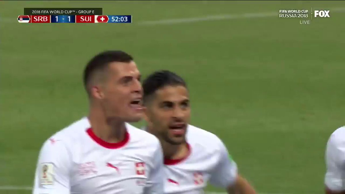 This was a 🚀 from Arsenal's Granit Xhaka. Wow (📹:@FOXSoccer) https://t.co/eABwRJ5o6O