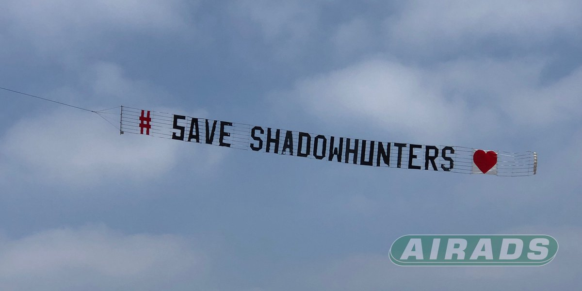 #SaveShadowhunters Airplane Banner is Up & Flying Over NetFlix Studio in Downtown Los Angeles NOW! Thanks to ALL Who Made It Happen. #shadowhuntersplane @airadsworldwide Aerial Advertising Since 1947. We Know Whats Up! #airads